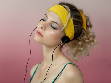 Maxim Guselnikov BLONDE GIRL WITH HAIRBAND AND HEADPHONES Women