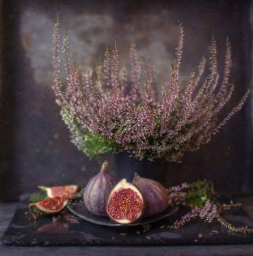 Andreeva Svoboda FIGS WITH PINK HEATHER ON TABLE Miscellaneous Objects