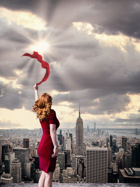 Elisabeth Ansley RETO WOMAN WAVING SCARF WITH NY SKYLINE Women