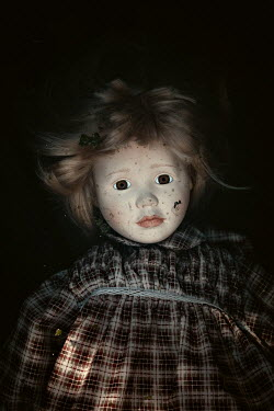 Des Panteva SHABBY RETRO DOLL IN SHADOW Miscellaneous Objects