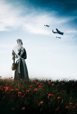 Sandra Cunningham WARTIME NURSE IN FIELD WATCHING PLANES FLYING Women