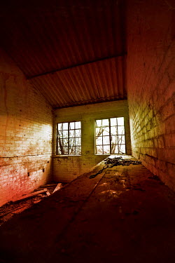 Silas Manhood room,chain,window,windows,derelict,abandoned,torture,chamber,rusty,old,thriller,mystery,crime,criminal,wooden,surface,creepy,scary,building,inside,walls,eerie,decaying,sinister,menacing,horror,haunted...