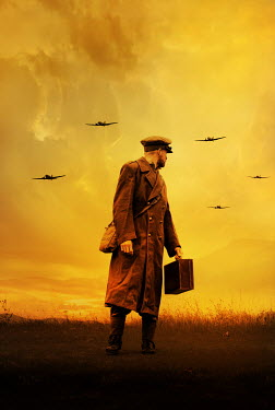 Stephen Mulcahey SOLDIER CARRYING CASE IN FIELD WATCHING PLANES Men