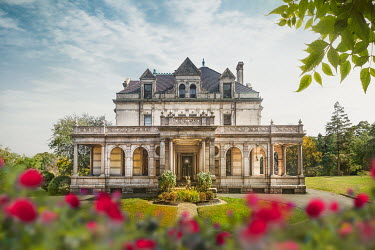 Evelina Kremsdorf Estherwood Mansion in Dobbs Ferry, New York, USA