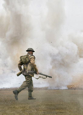 Stephen Mulcahey WW2 SOLDIER RUNNING IN FIELD WITH EXPLOSION Men