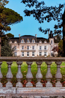 Elly De Vries FRENCH MANSION WITH OTNATE WALL AND GARDEN Houses