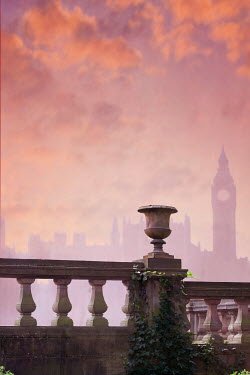 Lee Avison BIG BEN AND HOUSES OF PARLIAMENT AT SUNSET Miscellaneous Cities/Towns