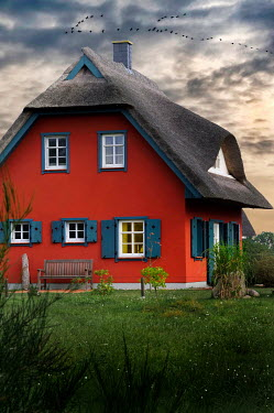 Ute Klaphake Red cottage at sunset
