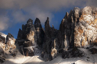 Ollie Taylor JAGGED MOUNTAIN WITH SNOW Rocks/Mountains