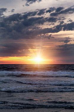 Lisa Bonowicz Sunrise over sea