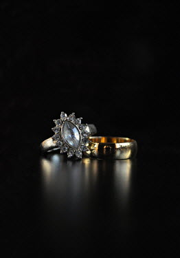 Lyn Randle DIAMOND AND WEDDING RINGS Miscellaneous Objects