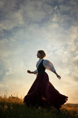 Natasza Fiedotjew historical woman running in countryside