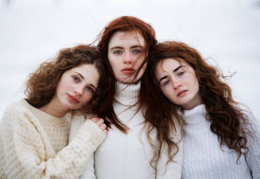 Alexandra Bochkareva THREE BRUNETTE GIRLS IN SWEATERS OUTDOORS Groups/Crowds