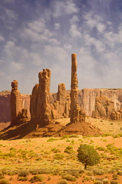 Terry Bidgood Totem Pole Rock in Monument Valley, Arizona, USA