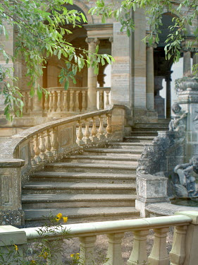 Victoria Davies Steps with stone balustrade to building