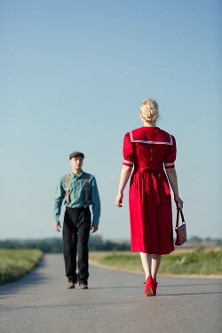 Magdalena Russocka retro couple on country road