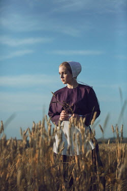 Magdalena Russocka amish woman in countryside