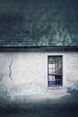 Lisa Bonowicz Window of house 840