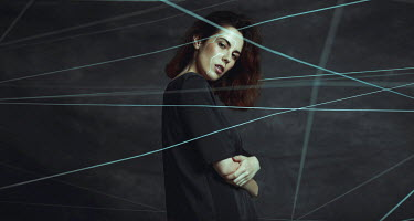 Alisa Andrei WOMAN COVERED WITH LINES OF STRING Women