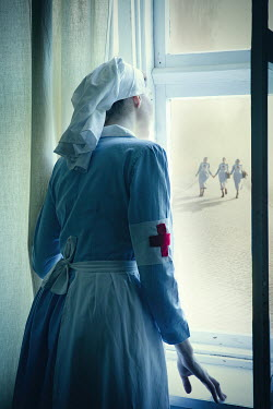Natasza Fiedotjew war nurse looking out window for reinforcements