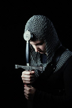 Magdalena Russocka historical woman in chainmail with sword