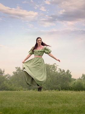 Elisabeth Ansley CAREFREE HISTORICAL GIRL IN GARDEN Women