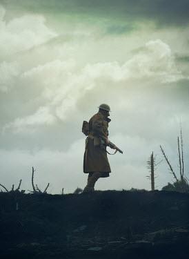 Mark Owen WW1 SOLDIER WALKING ON BATTLEFIELD