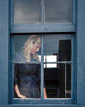 Elisabeth Ansley SAD BLONDE RETRO WOMAN AT WINDOW