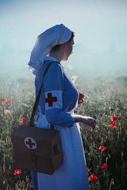 Natasza Fiedotjew war nurse in poppy field