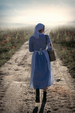 Natasza Fiedotjew war nurse walking on country road