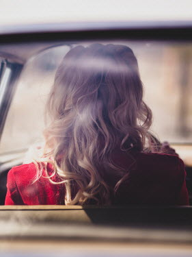 Elisabeth Ansley BLONDE RETRO WOMAN DRIVING CAR