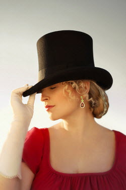 ILINA SIMEONOVA HISTORICAL BLONDE WOMAN IN TOP HAT