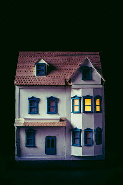 Marie Carr LIGHTS SHINING IN WINDOWS OF DOLLS HOUSE