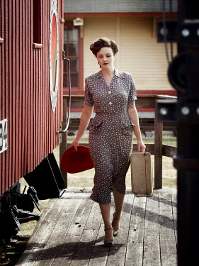 Elisabeth Ansley 1940s woman at train station