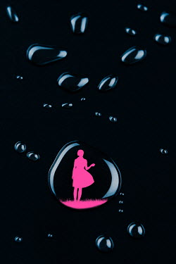 Magdalena Russocka silhouette of woman in water drop