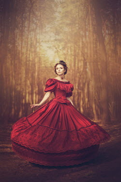 Anna Sychowicz HISTORICAL WOMAN WITH RED DRESS IN FOREST