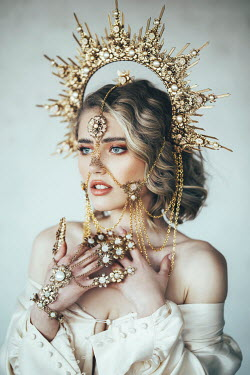 Jovana Rikalo BLONDE WOMAN WITH HEADDRESS AND JEWELLERY