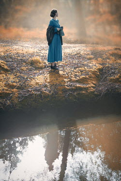 Natasza Fiedotjew historic woman drawing water on river bank