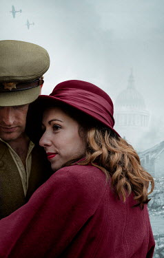 CollaborationJS WARTIME COUPLE EMBRACING IN LONDON