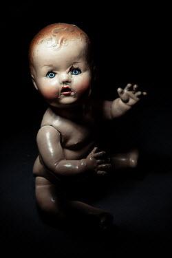 Magdalena Russocka creepy vintage doll in shadow