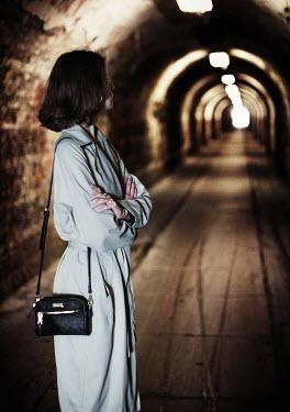 Nikaa BRUNETTE WOMAN WAITING IN TUNNEL