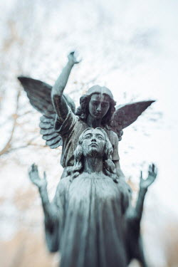 Isabelle Lafrance FEMALE STATUE WITH ANGel