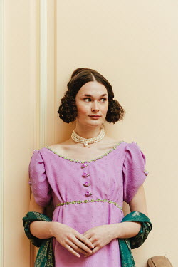 Matilda Delves BRUNETTE REGENCY WOMAN WITH WRAP AND PEARLS