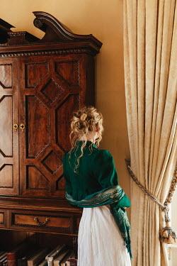 Matilda Delves BLONDE REGENCY WOMAN STANDING BY WINDOW