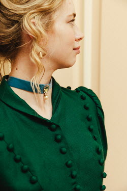 Matilda Delves BLONDE HISTORICAL WOMAN WITH CHOKER INDOORS