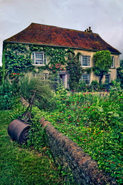 Paul Knight HISTORICAL COUNTRY HOUSE AND GARDEN