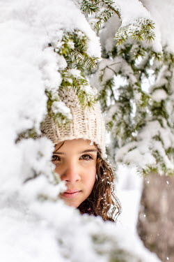Des Panteva YOUNG GIRL IN HAT BY SNOWY TREE