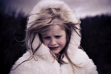 Laurence Winram YOUNG GIRL CRYING
