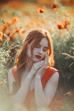 Jovana Rikalo DREAMY GIRL WITH RED HAIR IN POPPY FIELD