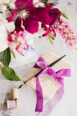 Isabelle Lafrance LETTER PEN COTTON REELS AND FLOWERS
